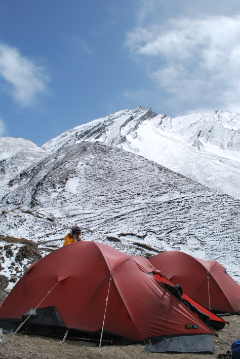 This was a very cold and windy campsite prior to reaching Thorang Lar (5416m).