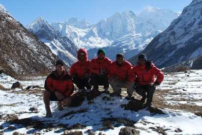 A team photo the day before we crossed the Larke La Pass (5,106m) on the Mansalu Circuit