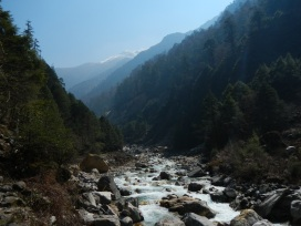 A view up the valley on the way to Kanchenjunga.