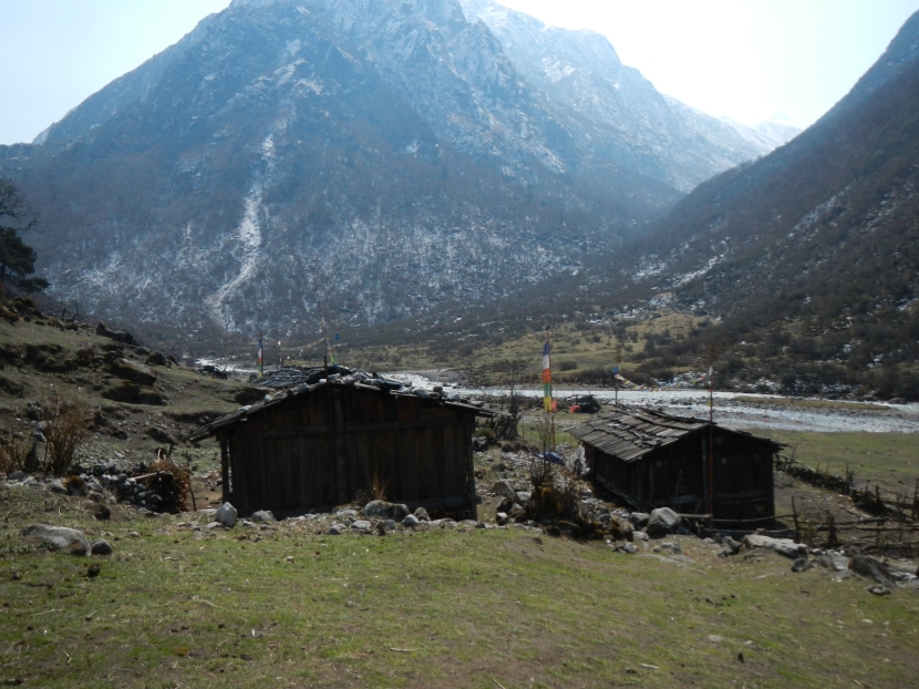 The traditional Sherpa village of Thudam.