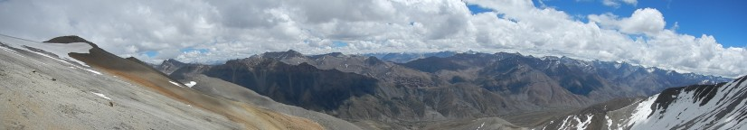 The view looking north from the top of the Numala La Pass (5340m)